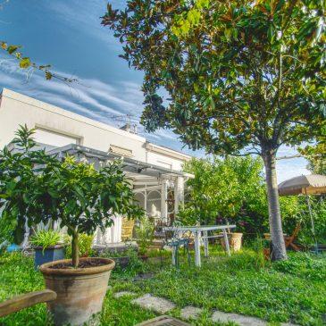 Offre d'achat acceptée /// Talence, une maison T4 + deux studios indépendants, garage/atelier, cave sur une parcelle de 359m², 576 800€